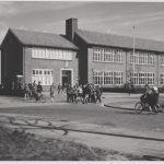 Acht raampjes voor Pius-X school - School